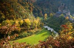 Burg Eltz in Duitsland stock afbeelding