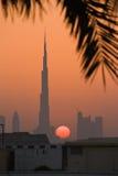 Burg Khalifa на заходе солнца Стоковая Фотография