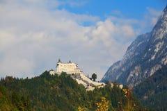 Burg médiéval majestueux Hohenwerfen photo stock