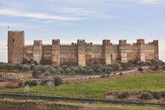 Burgalimar中世纪城堡塔  Banos de la恩西纳,哈恩省 免版税库存照片
