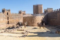 Burgalimar城堡,埋葬AlHamma, Baños de la恩西纳村庄, J 免版税库存照片