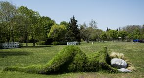 Burgas Bułgaria, Maj, - 5, 2017: rzeźba w Dennym Ogrodowym Burgas fotografia royalty free