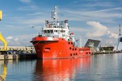 BURGAS, BULGÁRIA - 9 DE JUNHO DE 2019: Opal Valletta Offshore Supply Ship no porto de Burgas, Bulgária foto de stock