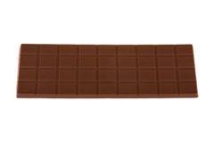 BURGAS, BULGARIA - 17 DE MAYO DE 2017: Barra del chocolate con leche de Milka Swiss aislada en el fondo blanco Barra de chocolate Imágenes de archivo libres de regalías