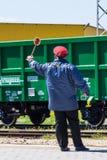 Burgas, Bulgarien - 20. März 2017 - Frachtgüterzug - Lastwagen-Grün Art des Kastens 4axled: Eanos-Modell: 155-1 - Transvagon-ANZE stockbild