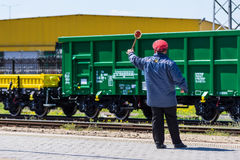 Burgas Bulgarien - mars 20, 2017 - fraktlastdrev - för vagngräsplan för ask 4axled typ: Eanos modell: 155-1 - Transvagon ANNONS Arkivfoto