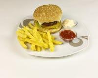 Burger και τσιπ Στοκ Εικόνες