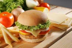 burger κοτόπουλο Στοκ εικόνες με δικαίωμα ελεύθερης χρήσης