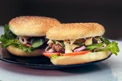 Burger μαγειρέματος έννοια Στοκ εικόνες με δικαίωμα ελεύθερης χρήσης