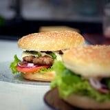 Burger μαγειρέματος έννοια Στοκ φωτογραφία με δικαίωμα ελεύθερης χρήσης