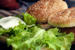 Burger μαγειρέματος έννοια Στοκ εικόνα με δικαίωμα ελεύθερης χρήσης