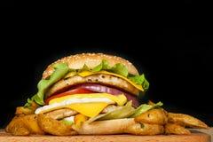 Burger με δύο cutlets Στοκ εικόνες με δικαίωμα ελεύθερης χρήσης