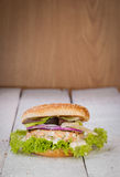 Burger ψαριών. Σολομός. Στοκ φωτογραφία με δικαίωμα ελεύθερης χρήσης