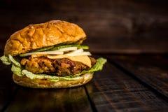 burger chicken grilled Στοκ Φωτογραφίες