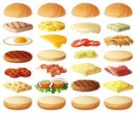 Burger eingestellt Bestandteilbrötchen, Käse, Speck, Tomate, Zwiebel, Kopfsalat, Gurken, Essiggurkenzwiebeln, möbelt, Schinken au Stockfotos