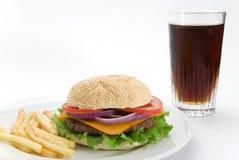 Burger mit Koks stockbild