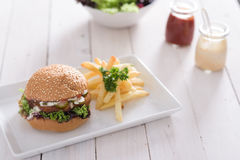 Burger und Fischrogen Stockbilder