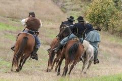 Burgeroorlog re-enactors op paarden Stock Foto