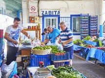 Burgers die in Bodrum-markt, Pazar, de stad in winkelen bij Mugla, T Royalty-vrije Stock Fotografie