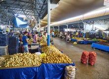 Burgers die in Bodrum-markt, Pazar, de stad in winkelen bij Mugla, T Stock Fotografie