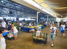 Burgers die in Bodrum-markt, Pazar, de stad in winkelen bij Mugla, T Stock Foto's