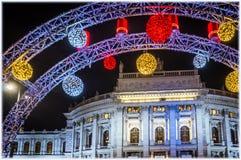 Burgtheater στη Βιέννη, Αυστρία στην παραμονή Χριστουγέννων στοκ εικόνες