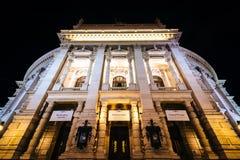 Burgtheater bij nacht, in Wenen, Oostenrijk Stock Fotografie
