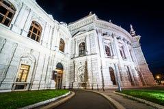Burgtheater bij nacht, in Wenen, Oostenrijk Royalty-vrije Stock Foto's