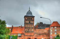 Burgtor, la puerta septentrional de Lubeck, Alemania fotos de archivo