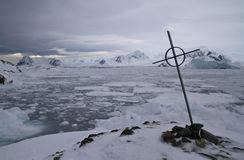 Burial place against the backdrop of the Antarctic Peninsula and Stock Photo