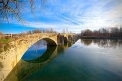Buriano桥梁,托斯卡纳,著名背景  免版税库存照片