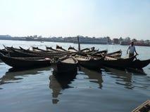 burigonga达卡孟加拉国河  图库摄影