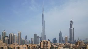 Burj哈利法和街市迪拜在黎明 免版税库存照片