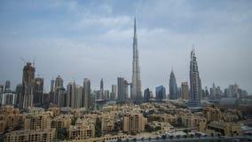 Burj哈利法和黎明定期流逝的街市迪拜库存英尺长度录影 股票录像