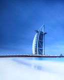 Burj Al Arab hotell på den Jumeirah stranden i Dubai Royaltyfri Bild