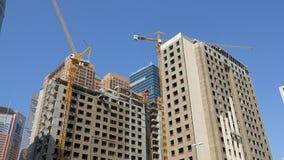 29 2009 burj Dubai e hotelowego khalifa Listopad panoramicznych u widok A e - JAN, 2018: dwa wysoki budynek w budowie w słoneczny zdjęcie wideo