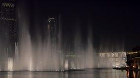 29 2009 burj Dubai e hotelowego khalifa Listopad panoramicznych u widok A e - JAN, 2018: oszałamiająco przedstawienie dancingowe  zbiory