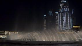 29 2009 burj Dubai e hotelowego khalifa Listopad panoramicznych u widok A e - JAN, 2018: wodni strumienie i pluśnięcia dancingowe zbiory
