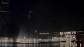 29 2009 burj Dubai e hotelowego khalifa Listopad panoramicznych u widok A e - JAN, 2018: zadziwiający przedstawienie dancingowe f zdjęcie wideo
