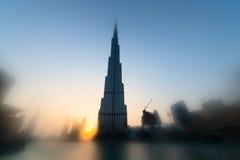 Burj Khalifa är den mest högväxta skyskrapan i världen Royaltyfria Foton
