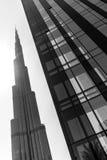 Burj Khalifa ed il nero e Wite della plaza 1 del boulevard di Emaar Immagine Stock