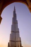 Burj Khalifa no por do sol, Dubai imagens de stock