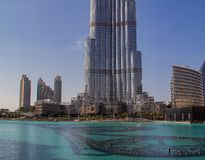 Burj Khalifa Skyscraper no centro de Dubai imagens de stock royalty free