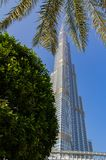 Burj Khalifa Skyscraper no centro de Dubai foto de stock royalty free