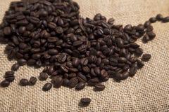 burlap φασολιών στενός καφές επάνω Στοκ Εικόνες
