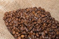 burlap φασολιών στενός καφές επάνω Στοκ εικόνες με δικαίωμα ελεύθερης χρήσης