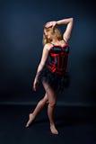 Burleske danser in korte kleding Stock Foto's