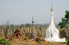 burma indeinmyanmar pagodas Royaltyfria Foton