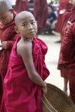 burma monkmyanmar barn Royaltyfri Foto