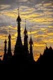 burma myanmar pagodaschwedagon yangon royaltyfri foto